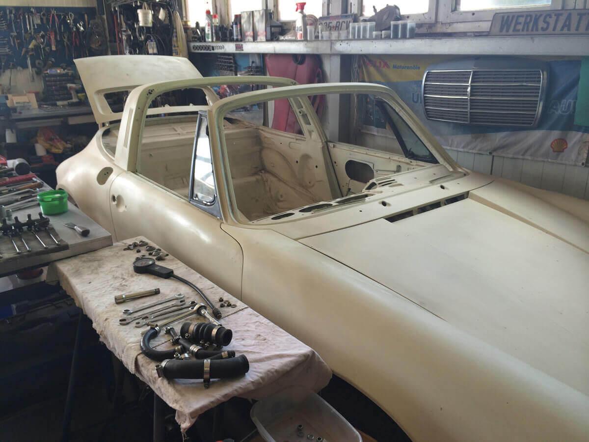 Porsche 911 F Targa Ölklappe 1972 Grundiert