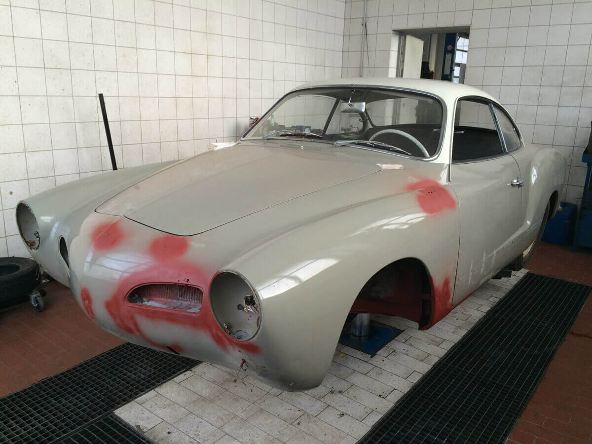Restauration Karmann Ghia 1965 seesand L568 / perlweiss L87 Restauration