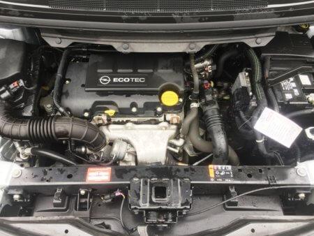 Opel Zafira Tourer Selection - Motorraum