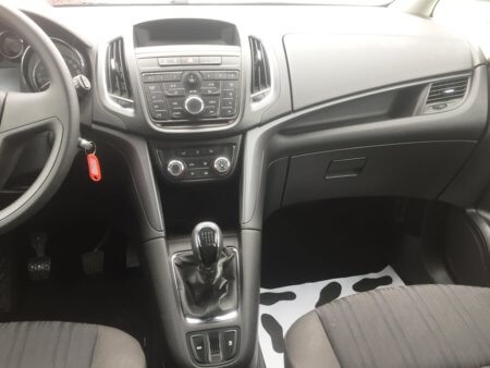 Opel Zafira Tourer Selection - Radio + Klima