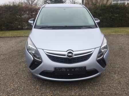Opel Zafira Tourer Selection - vorn